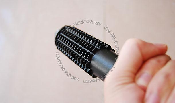 Đèn pin tự vệ C905 4